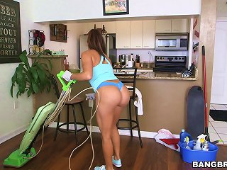 Julianna Vega Sucks And Rides A Prick After Cleaning A House